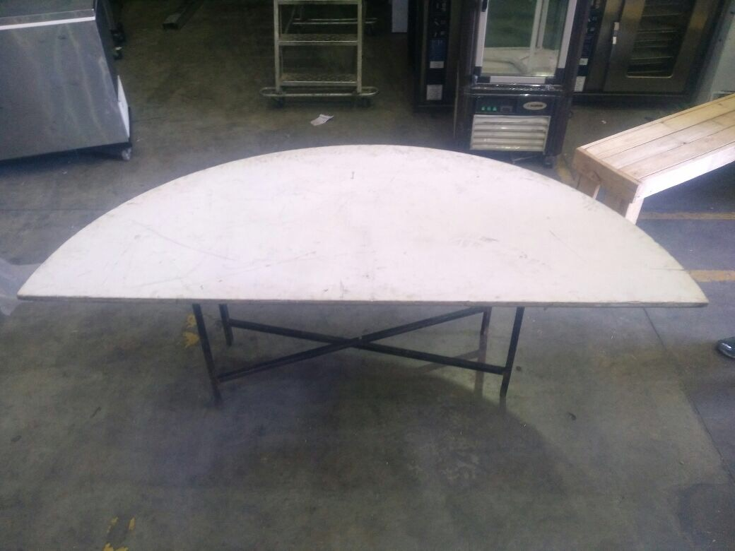 halfmoon-table-bridal-table-18-wide