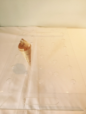 perspex-clear-small-hole-cone