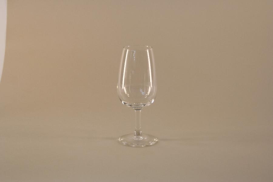 universal-wine-tasting-glass